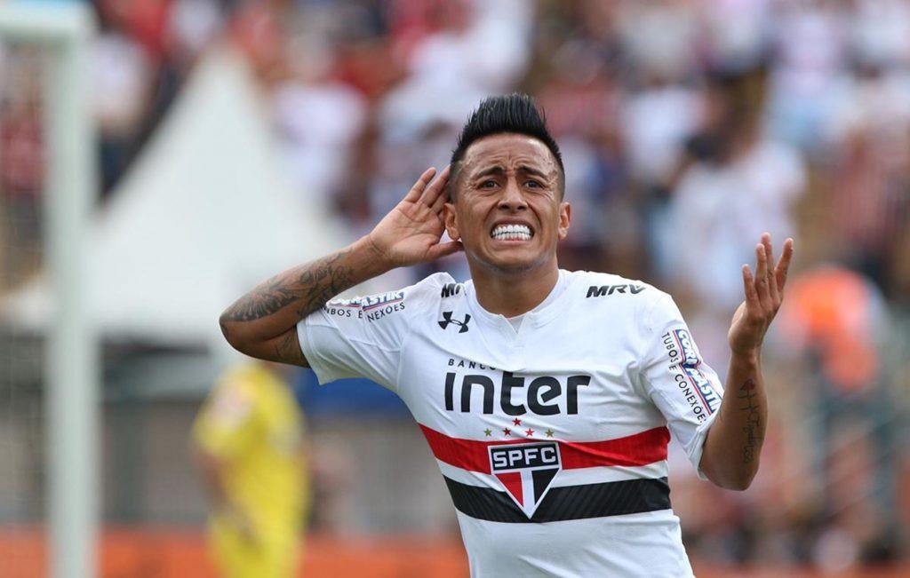 Con gol de Cueva, Sao Paulo venció 2-1 al Santos (VÍDEO)
