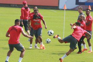 Perú: Trabajo de intensidad física con 21 jugadores para enfrentar a Escocia