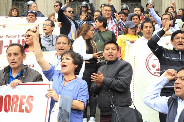 Trabajadores del PJ acatan paro nacional de 24 horas