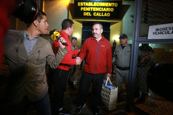 Revocan prisión a pareja de chilenos