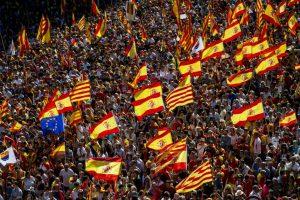Cataluña: Marchan en Barcelona a favor de la unidad de España