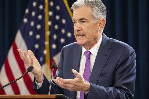 """Donald Trump no está """"contento"""" con el alza de la tasa de interés"""