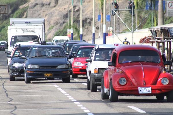 Reabren tránsito en la Costa Verde tras aniego en San Miguel