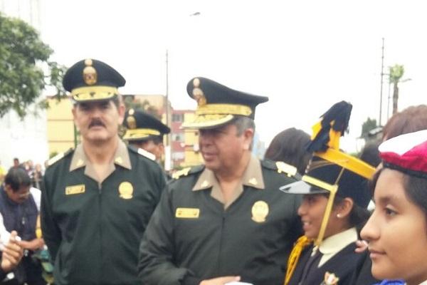 Desfile y juramentación de policías y brigadieres escolares