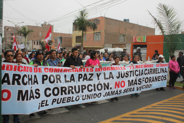 """Ambulantes de mercado """"22 Hectáreas"""" piden diálogo"""