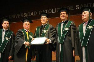 Martín Vizcarra recibió doctorado Honoris Causa de la Universidad Católica de Arequipa [VÍDEO]