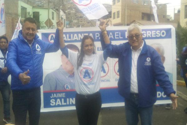 Salcedo ofrece infraestructura y servicio social en El Agustino