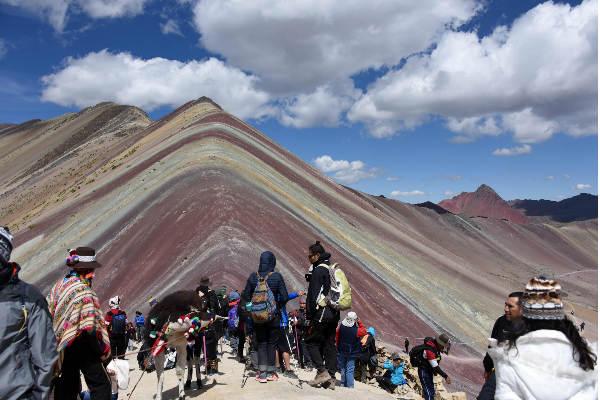 Minera devolvería concesión de Montaña de los 7 Colores