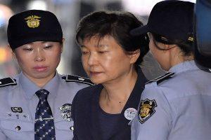Corea del Sur: Expresidenta condenada a 24 años