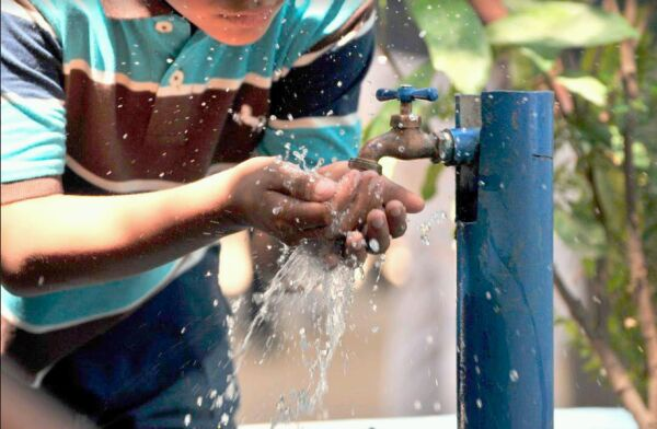 Más de 4 millones de peruanos no tienen acceso a agua potable