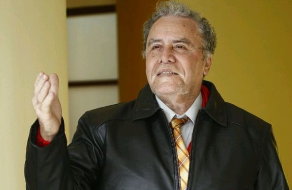 Augusto Polo Campos fue internado de emergencia