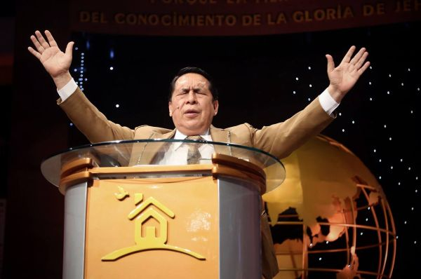 Alberto Santana renuncia al liderazgo de la iglesia El Aposento Alto [VÍDEO]