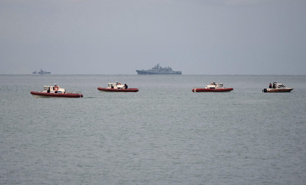 Hallan fuselaje del avión ruso siniestrado en el mar Negro