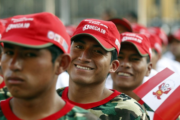 Pronabec: 59 mil peruanos estudiarán una carrera