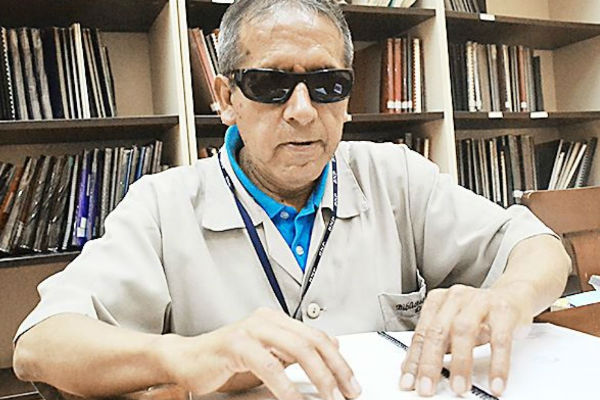BNP recibe donación de libros en formato braille