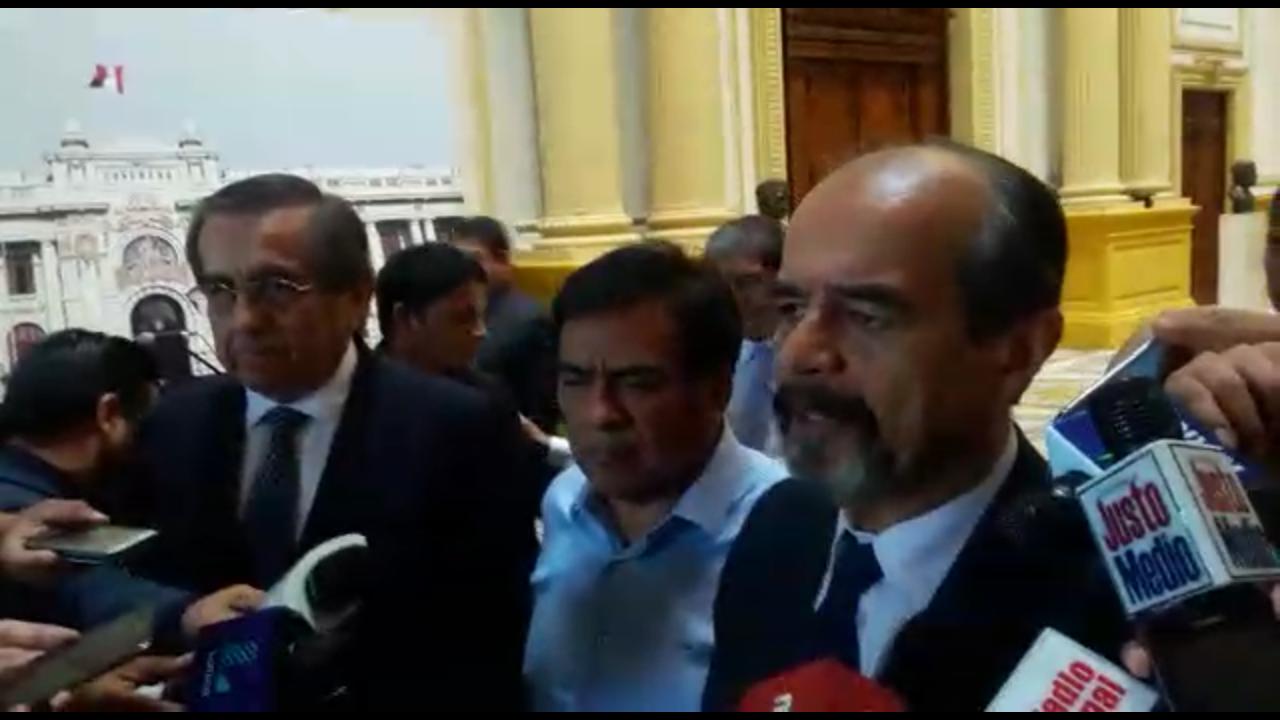 Bancada aprista limó asperezas tras polémica en votación de censura