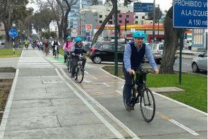 Proponen día libre para empleados públicos que vayan a trabajar en bicicleta