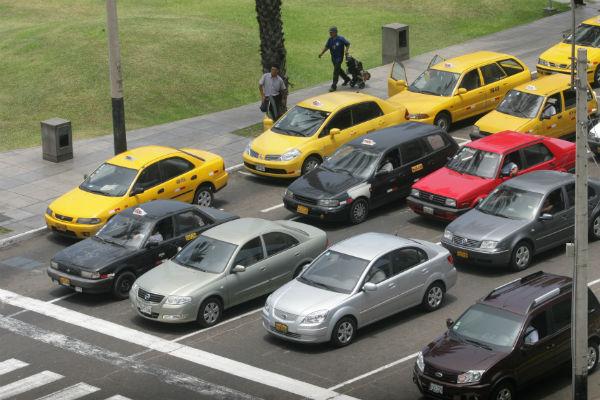 'Pico y placa' para reducir caos vehicular en Lima