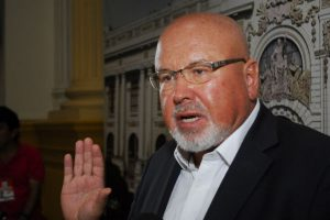 """Carlos Bruce: """"Ejecución humanitaria de pena"""" debió ser estudiado en la Comisión de Justicia"""