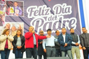 Celebran Día del Padre en Carmen de La Legua