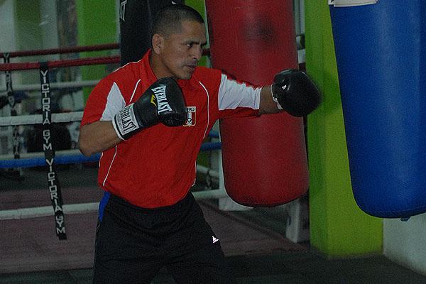 """""""Chiquito"""" Rossel exige un mayor apoyo al boxeo peruano"""