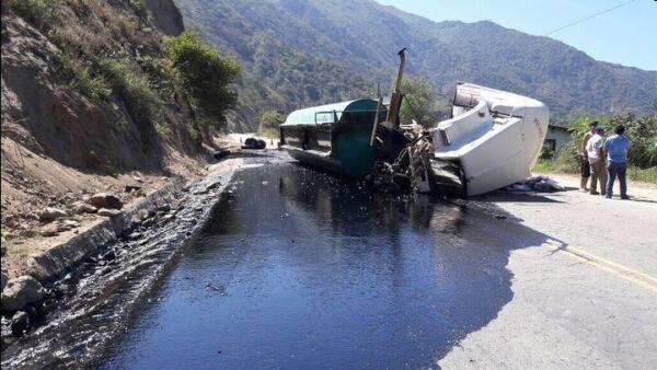 OEFA inspecciona derrame de petróleo en Chiclayo