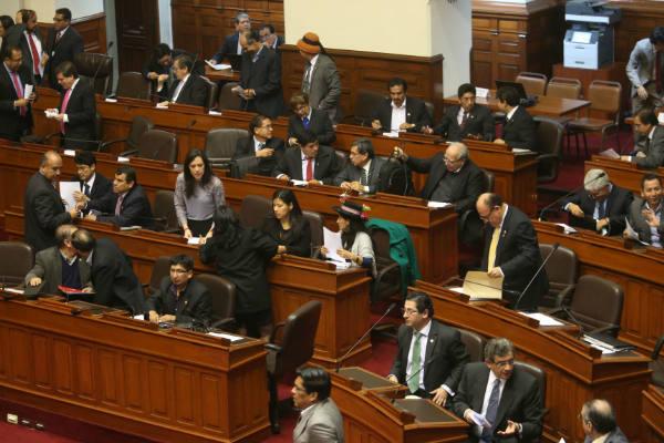 Congreso: Polémica por reglamentos internos de bancadas