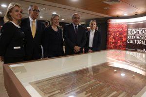 Perú recupera textiles Paracas