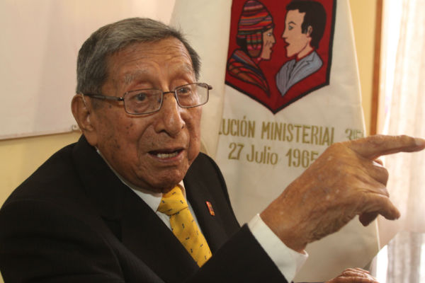 "Demetrio Túpac Yupanqui: ""No tendremos esencia si no sabemos quechua"""
