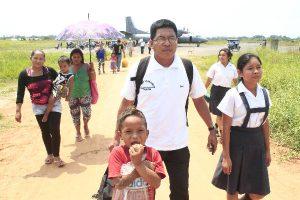 FAP transporta a docentes queparticiparon en prueba de ascenso