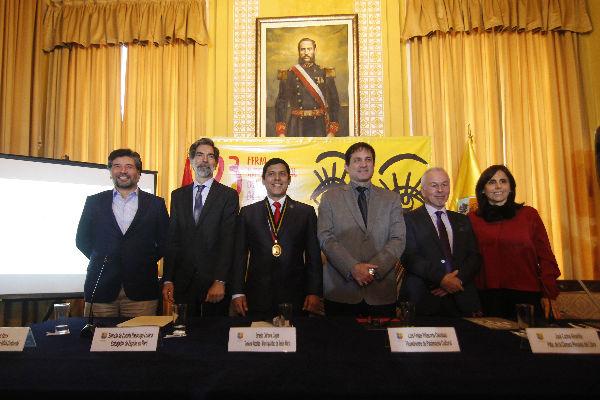 """FIL Lima 2018: """"superamos el medio millón de visitantes"""""""