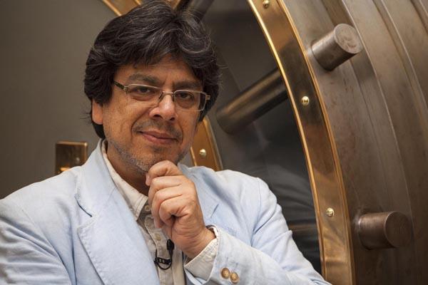 Fernando Iwasaki gana Premio Málaga de Ensayo