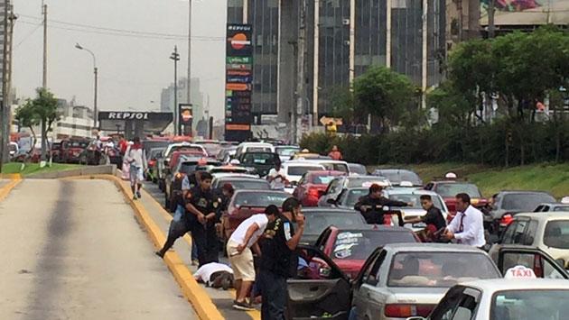 Feroz balacera en Vía Expresa frente a Polvos Azules (avance)