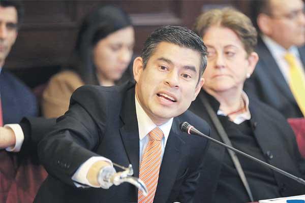 Fuerza Popular oficializa moción de censura a Saavedra (AVANCE)