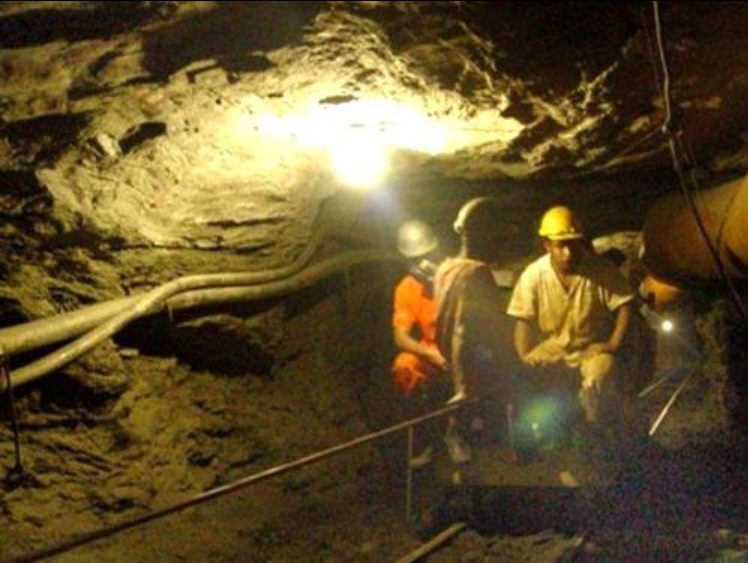 Formalización minera con requisitos para permanecer en el registro
