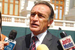 "Héctor Becerril: ""Pretenden hacer un circo frente al Congreso"""