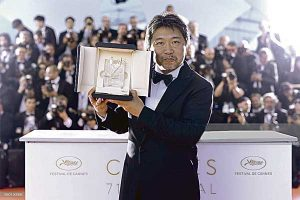 Hirokazu Kore-Eda: 'Un asunto de familia' triunfa en Cannes