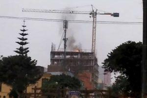 Breña: Incendio en obra de construcción