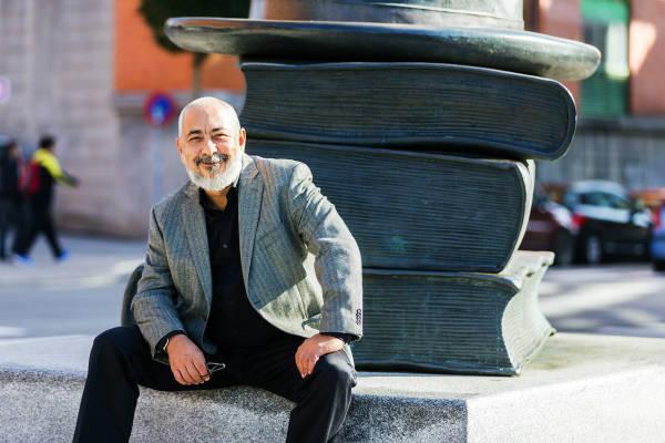 Leonardo Padura cuestiona alternancia del Premio Cervantes