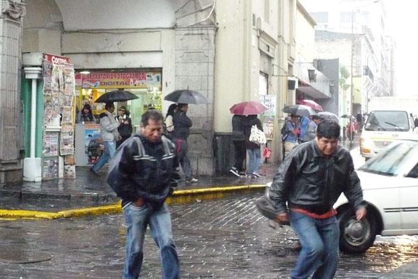 Pronostican lluvias intensas en 17 regiones del Perú