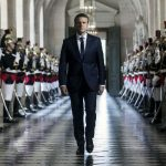 Macron amenaza con someter reformas a un referéndum