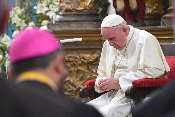 Papa Francisco se reunió con víctimas de abusos sexuales