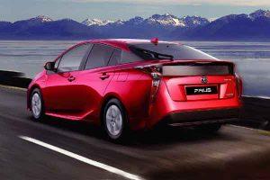 Toyota presenta el nuevo Prius 2017 y el renovado Prius C