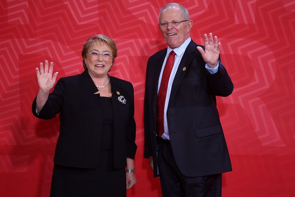 PPK se reúne con presidenta de Chile