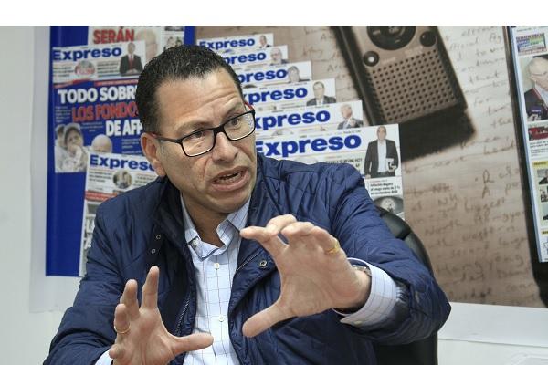 Phillip Butters a Castillo: «Pasear por todo el Perú no es trabajar, eso se llama vagar»