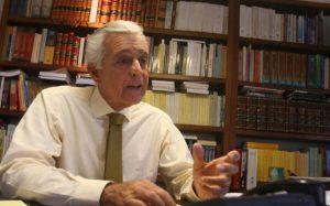 """Raúl Ferrero llama al Ejecutivo y Legislativo a """"salvar el sistema democrático"""""""