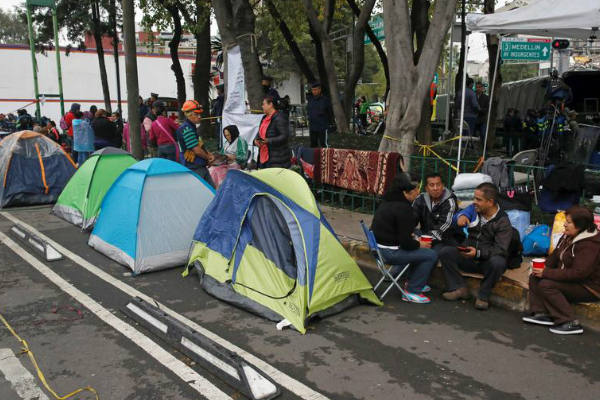 Terremoto en México: Miles sin hogar buscan dónde refugiarse