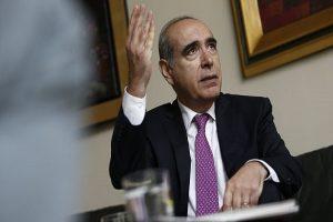 Roberto Abusada: El presidente está impulsando la economía a un salto al vacío