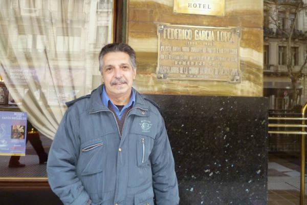 Homenaje póstumo a poeta Manuel Ruano