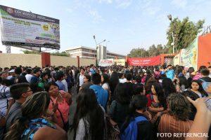 San Marcos: Estudiantes toman casa de estudios